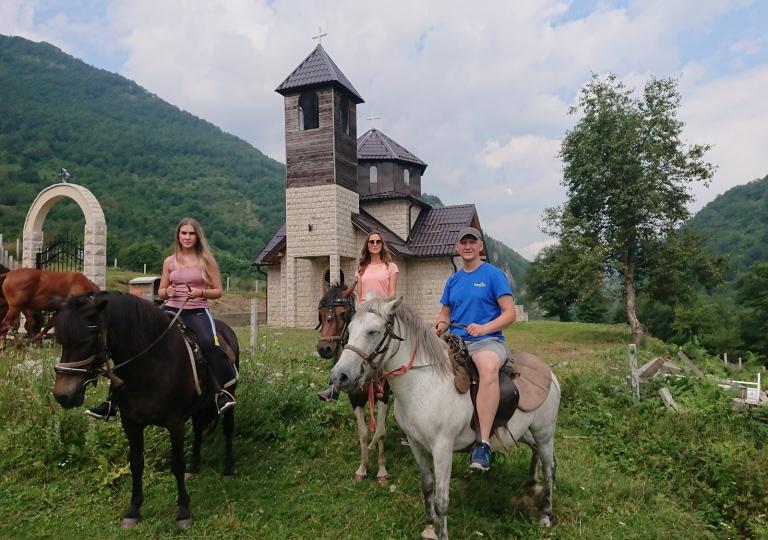 Horse riding  Highlader_rafting_1