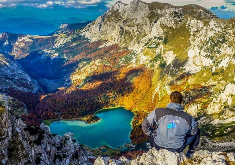 Planinarenje i pesacenje_Highlander_rafting_1