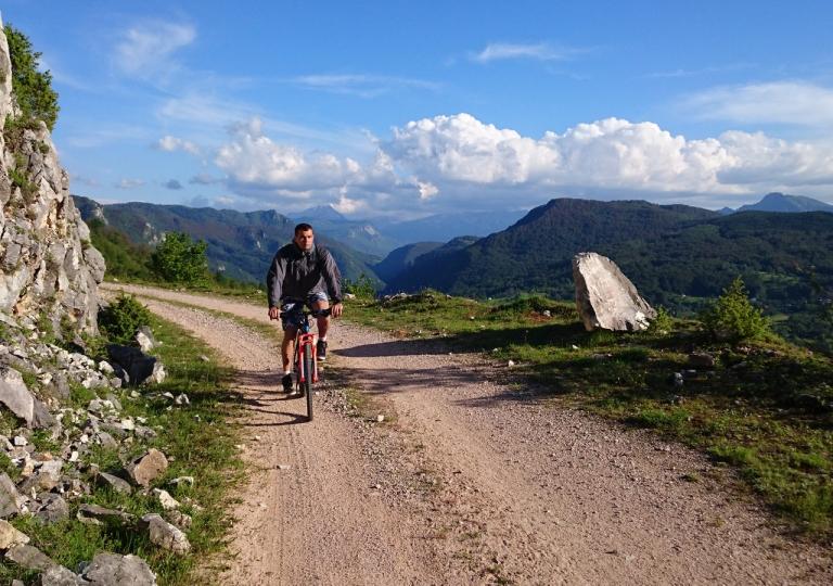 Planinski biciklizam  Highlander_rafting_12
